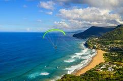 Parapendio - cime di Stanwell/allerta calva della collina - l'Australia Fotografie Stock