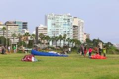 Parapendio in Miraflores, Lima, Perù Fotografia Stock Libera da Diritti