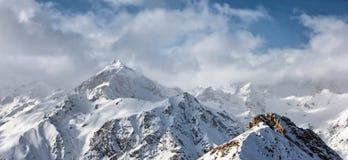 Parapentiste dans les montagnes Photographie stock