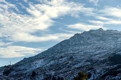 Paraplan som tar av i det Vitosha berget, Bulgarien royaltyfri fotografi