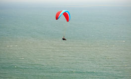 Paraplane flight over the sea Royalty Free Stock Photography