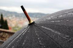 Paraplu in de regen Royalty-vrije Stock Fotografie