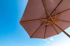 Paraplu in een zonnige dag Royalty-vrije Stock Afbeelding