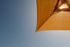 Paraplu met zonlicht Royalty-vrije Stock Afbeeldingen