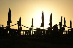 Paraplu's bij zonsondergang Royalty-vrije Stock Foto