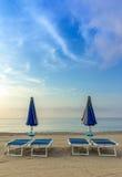 Paraplu's bij zonsopgang royalty-vrije stock afbeelding