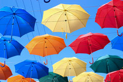 Paraplu's in de hemel, gekleurde paraplu's, toebehoren Royalty-vrije Stock Afbeelding