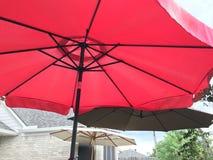 Paraplu's op het terras Royalty-vrije Stock Foto's