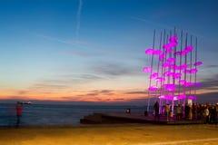 Paraplu's van Thessaloniki, Griekenland Het beeldhouwwerk was verlicht Royalty-vrije Stock Afbeelding