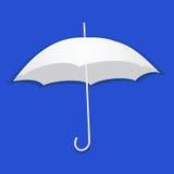 Paraplu van document op een blauwe achtergrond Stock Foto's