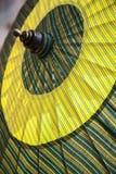 Paraplu/Paraplu van stof, Aziatisch patroonontwerp wordt gemaakt dat Royalty-vrije Stock Foto's