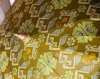 Paraplu/Paraplu van stof, Aziatisch patroonontwerp wordt gemaakt dat Royalty-vrije Stock Afbeeldingen