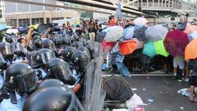 Paraplubeweging in Hong Kong stock footage