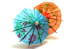 Parapluie de cocktail coloré par deux Image libre de droits