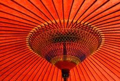 Parapluie rouge traditionnel japonais Photographie stock