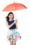 parapluie tropical de saison arénacée pluvieuse de plage Images stock
