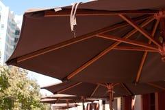Parapluies au restaurant Photos libres de droits