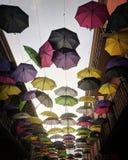 Parapluies dans le ciel photo stock