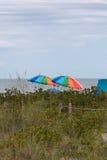 Parapluies de plage, île de Sanibel, la Floride Photographie stock libre de droits