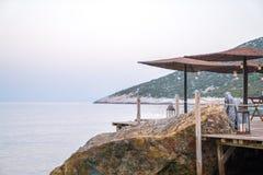 Parapluies par la mer Photos libres de droits
