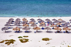 Parapluies sur la plage Images libres de droits