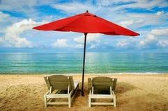 Parapluies sur la plage Photos libres de droits