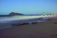 Parapluies sur la plage Photo libre de droits