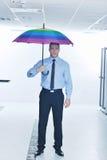 paraply för server för affärsmanhålllokal Royaltyfria Foton