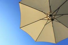 Paraply i skyen Royaltyfri Foto