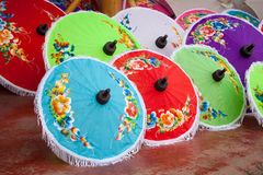 Paraply som göras av papper/tyg. Konster Arkivfoton