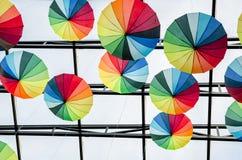 Paraplyer - konst arkivbild