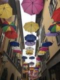 Paraplyer på himmel Arkivfoton