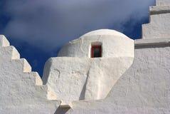 Paraportiani grekisk ortodox kyrka i Mykonos, Grekland Royaltyfri Bild