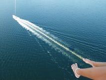 Parasailing επάνω από το ύδωρ Στοκ εικόνες με δικαίωμα ελεύθερης χρήσης