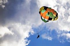 parasailing Гавайских островов Стоковое Изображение RF