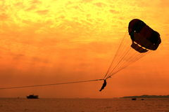 Free Parasailing Royalty Free Stock Photo - 33108175