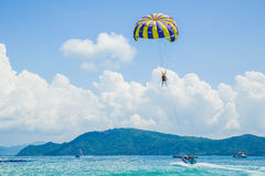 Parasailing on the beach Royalty Free Stock Photography