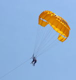 Parasailing in a blue sky Royalty Free Stock Images
