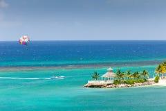 Parasailing in Jamaïca royalty-vrije stock foto's
