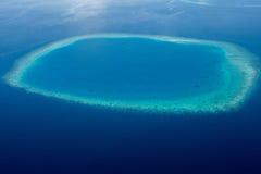 Parasailing nad tropikalnym morzem, jaskrawi kolory Obraz Royalty Free