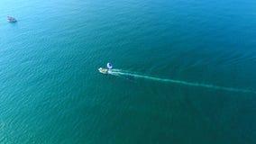 Parasailing no mar, Batumi, Geórgia vídeos de arquivo