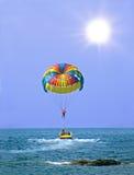 Parasailing no verão Imagem de Stock