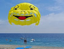 Parasailing over beach Royalty Free Stock Photography