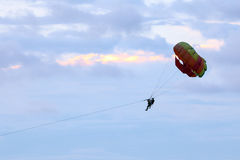 Parasailing parachute Free Flyin Royalty Free Stock Images