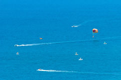 Parasailing in the sea Royalty Free Stock Photos