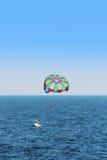 Parasailing spadochron zdjęcia stock