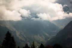 Parasailing Switserland de Lauterbrunnen foto de stock