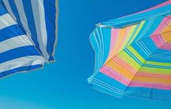 Parasol σε έναν μπλε ουρανό Στοκ εικόνα με δικαίωμα ελεύθερης χρήσης