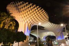 Parasol de Metropol la nuit, Séville, Espagne images libres de droits