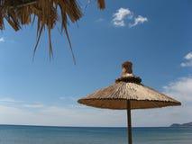 Parasol de playa Fotos de archivo